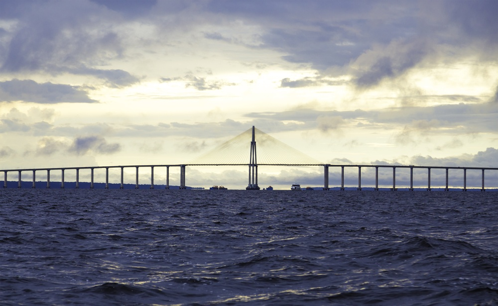 The Manaus Iranduba Bridge (called Ponte Rio Negro in Brazil) is a bridge over the Rio Negro with 3595 meters of length that links the cities of Manaus and Iranduba. It was opened on Oct 24, 2011.jpeg