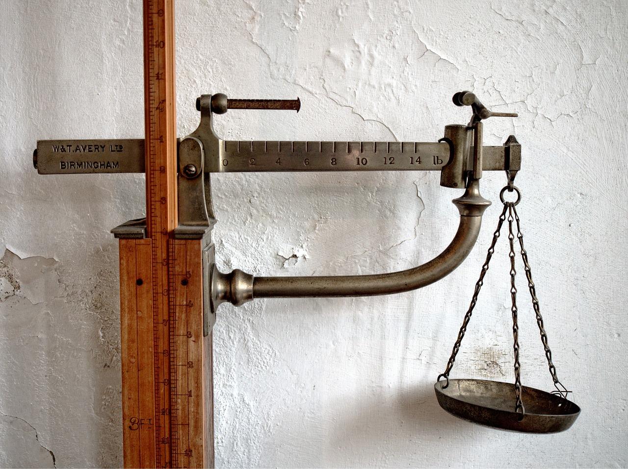 scales-1333455_1280.jpg